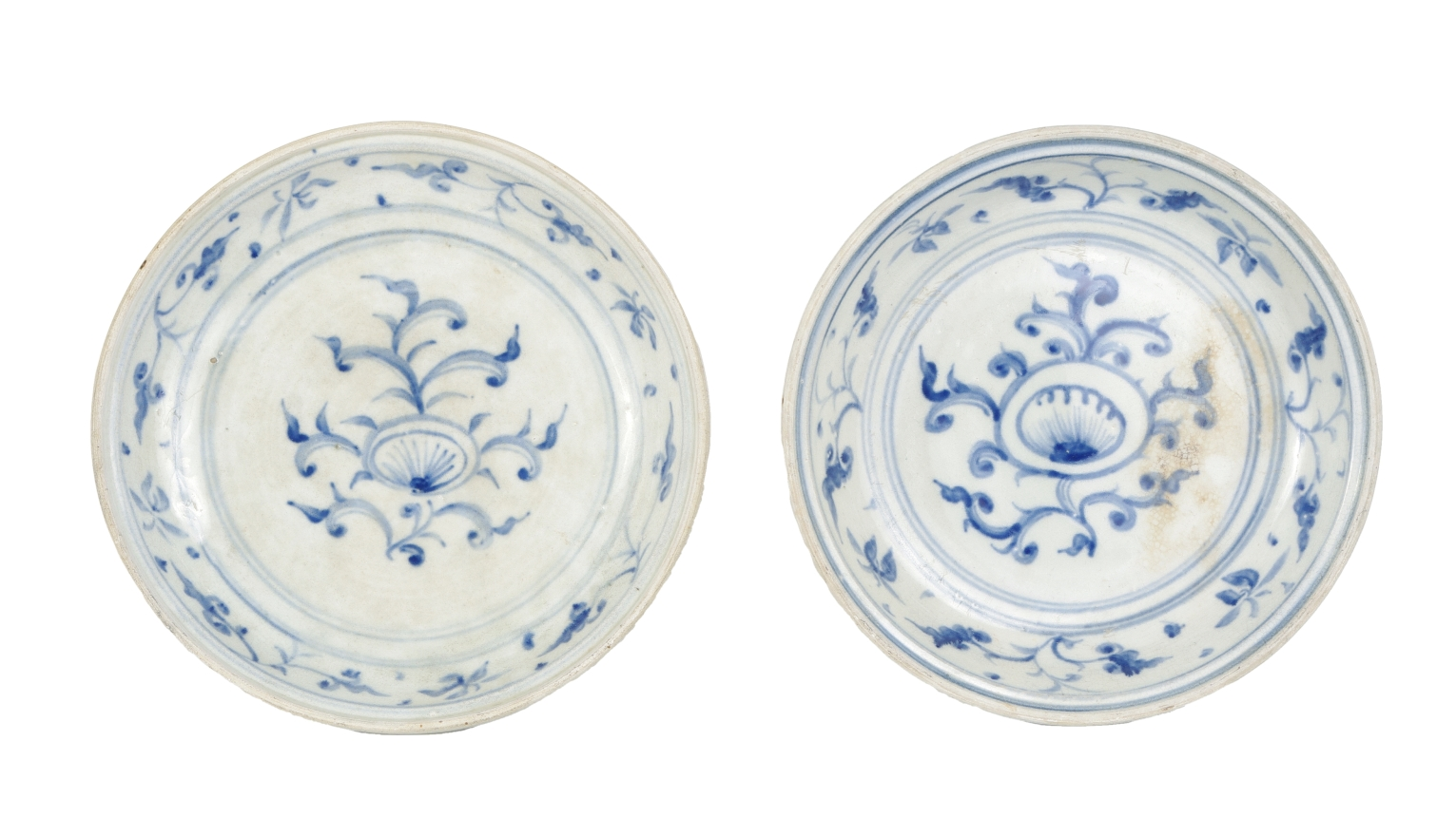 Two Blue and White Serving Dishes from the Hoi An Hoard, c. 1500